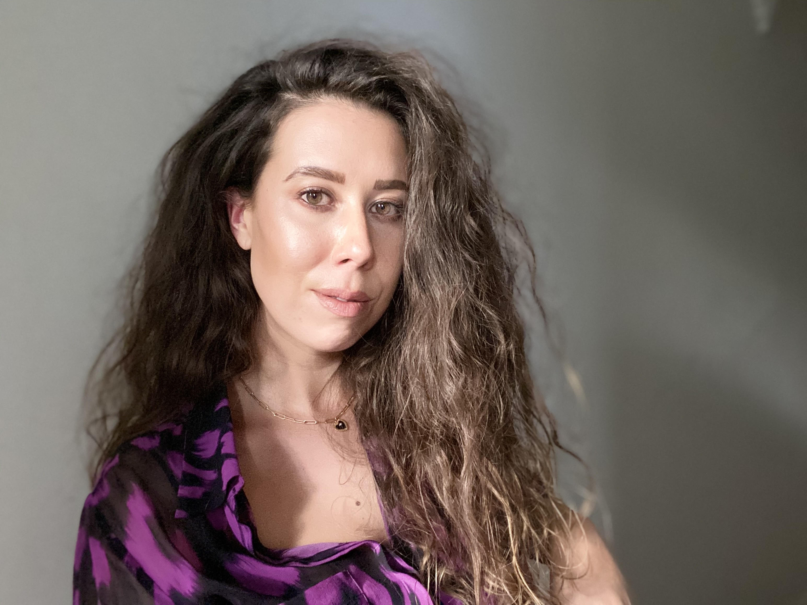Kimberley Moulton, Tell me a story; lines and connections between Ancestor objects and First Peoples arts practice today